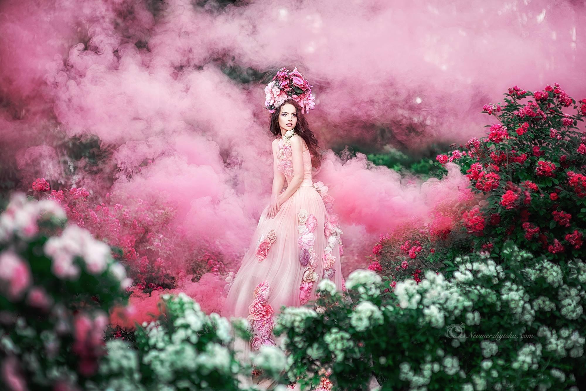Эксклюзивное платье в аренду для фотосессий по авторскому дизайну Ольги Садовской, подходит для съемки беременности и семейных фемили луков с дочками
